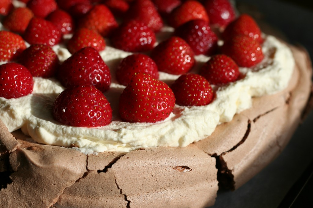 chocolate pavlova with strawberries