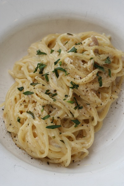 pasta with chicken, tarragon and cream